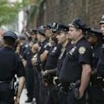 Одинокий бандит избил трех американских полицейских