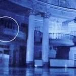 Летающее привидение запечатлели в театре