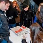 В Грузии собирают подписи за отставку Саакашвили